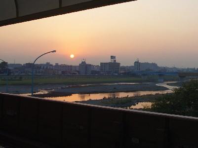 二子玉川駅の夕陽