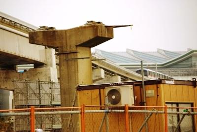 モノレール廃軌道20110205-2