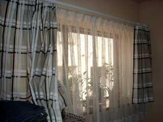 旧窓カーテン