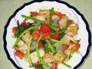 タコとアカガイのマリネ、タイのポワソンクリュのサラダ