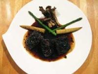 鹿フィレ肉のトリュフ風味 ソース・ペリグー