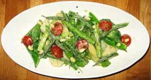 色々野菜のサラダ シェーブルチーズのヴィネグレット