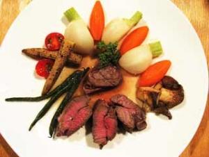 牛フィレ肉の縛り煮