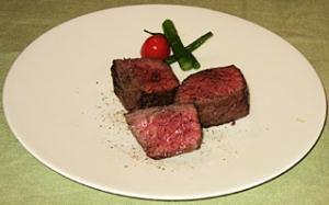 牛イチボ肉の直火焼き