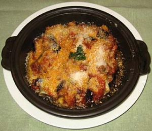 牛ミンチ肉のカネロニ カレー風 ナスのトマトソース