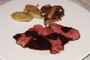 アメリカ牛ロース 赤ワインベースのソース・ベルシー