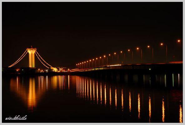 ふれあいランド タワーと橋の夜景