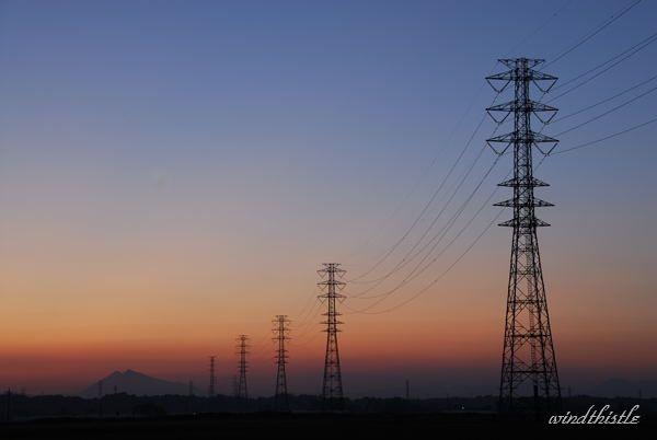 鉄塔のある夕景