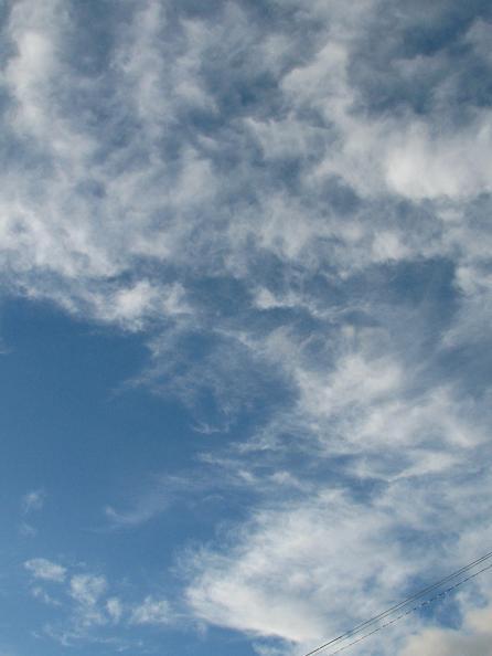 網状雲(巻雲)