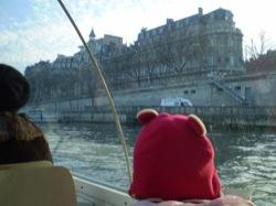 ミニ熊、パリをいく