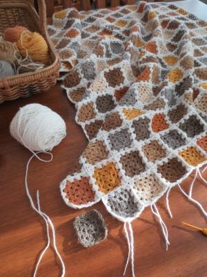 これなら編める!グラニースクエアで可愛い編み物作品