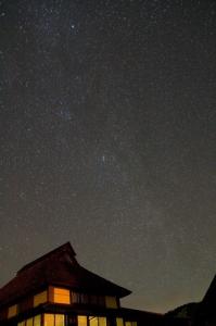 八塔寺の北西の星空