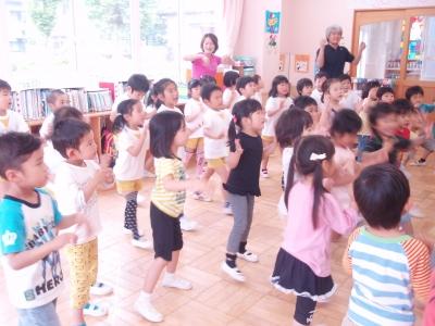 歌って踊って!
