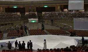 舞台とランゥエイ.jpg