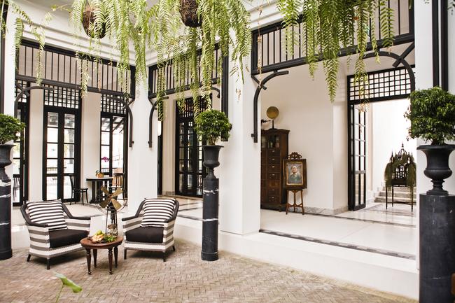 19-the-siamhotel-courtyard-bangkok.jpg