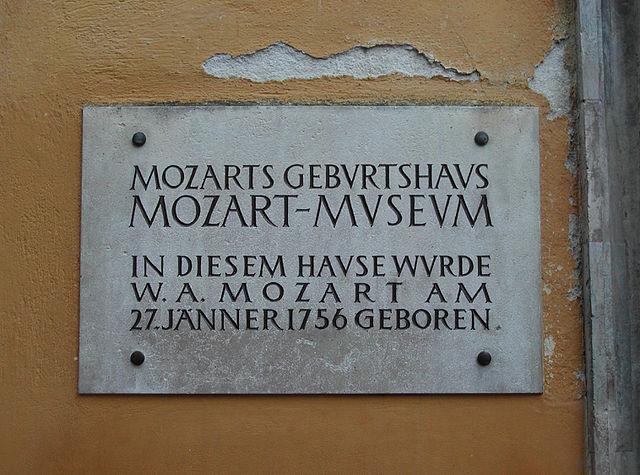 7-Geburtshaus_Mozart_Schild.jpg