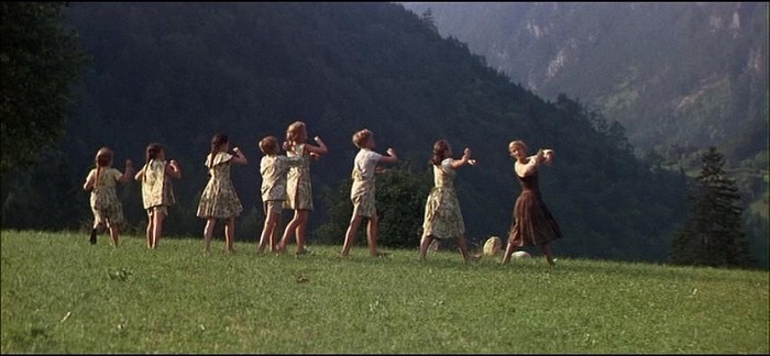 134900612666113203275_SoundOfMusic-02.jpg
