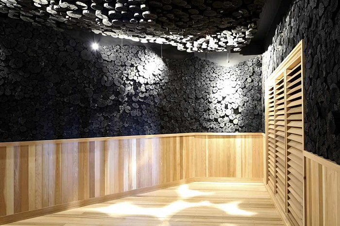 2-amenities-charcoal-sauna.jpg