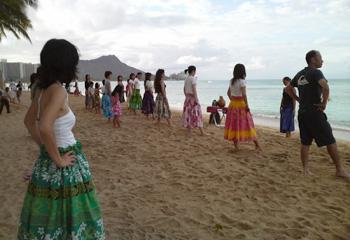 ハワイでフラ