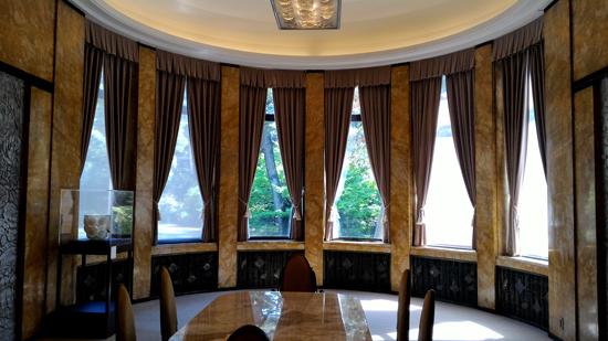 美しい大食堂