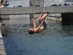 サーフスケーターズ10が茅ヶ崎の裏パークで。金★家、源太君、どぶ川に飛び込む〜!