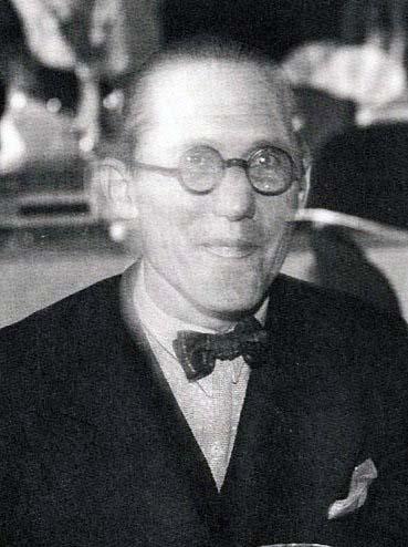 Le_Corbusier_1933[1].jpg