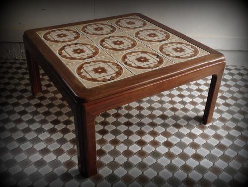 G-PLANタイルトップコーヒーテーブル