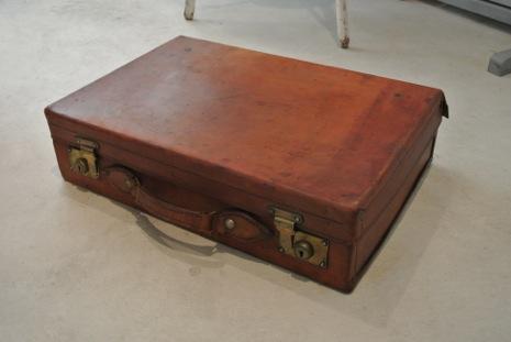 イギリスアンティークトランク/レザー/トラベルスーツケース