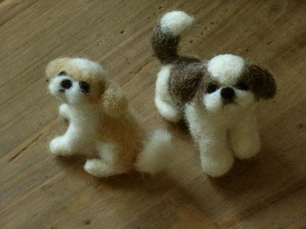 羊毛フェルトのシーズー