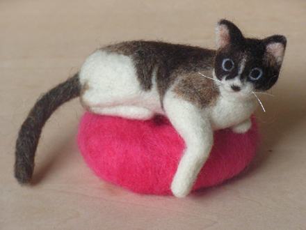 はねつきりんごフェルトMIX猫ランディ