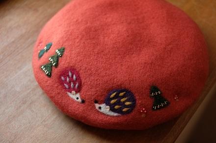 はねつきりんごフェルトアップリケベレー帽