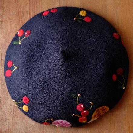 はねつきりんごはりねずみベレー帽