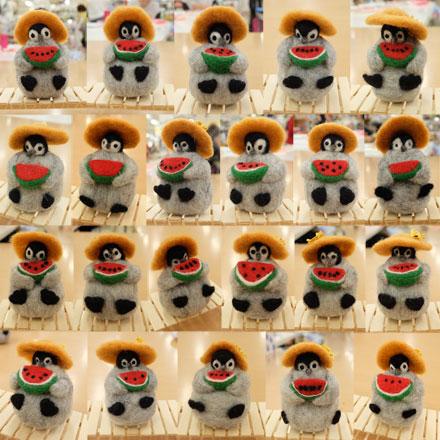 はねつきりんご羊毛フェルトABCクラフト講習会受講者さん作品ペンギンくんの夏休み