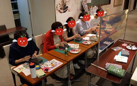 はねつきりんご奈良登美ヶ丘産経学園羊毛フェルト講座風景