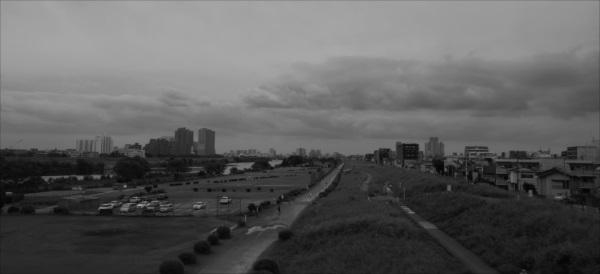 多摩川曇り空
