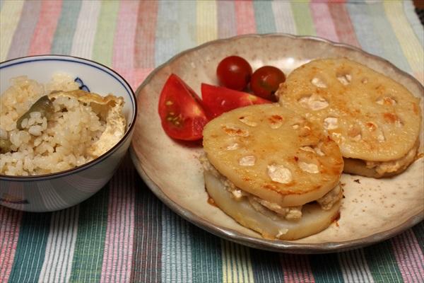 茄子の炊き込みご飯と蓮根のふわとろはさみ揚げ