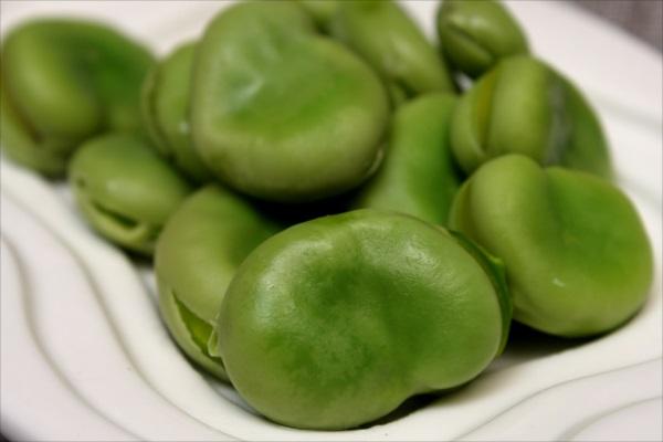 生揚げとエンドウ豆