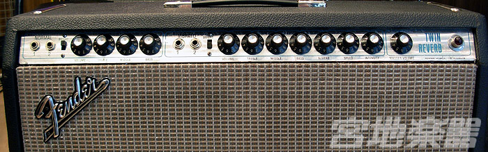 UA110726FENDER_TWIN_REb.jpg