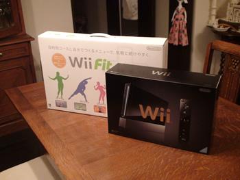 WiiフィットプラスとWii本体