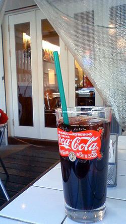 コーラじゃないよIceコーヒーだよ
