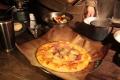 厚切りベーコンとパイナップルのピザ。