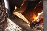 最後の薪をがんがん焚きます。