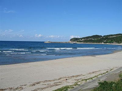 日本海となり砂の浜