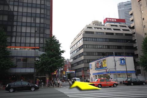 田町駅三田口より