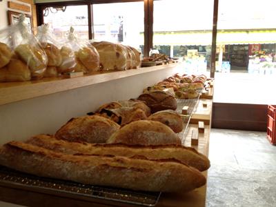 松江はどこのパン食べようか迷うくらい偏差値高いですよねー。