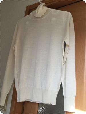 300白セーター.jpg