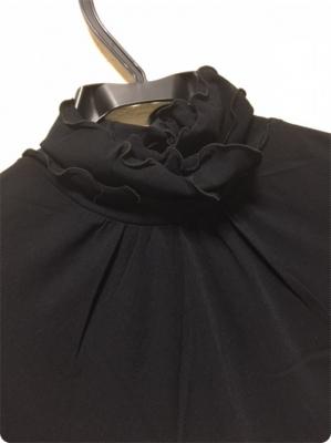 500黒カットソー襟部分.JPG