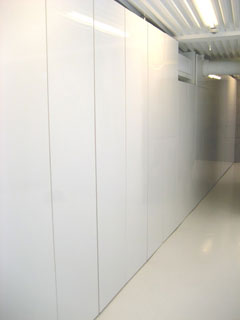 壁面収納建具1