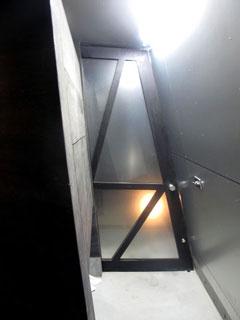 玄関開き戸3