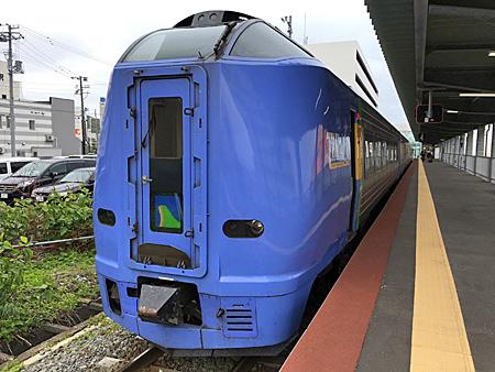 稚内駅停車中の特急サロベツ